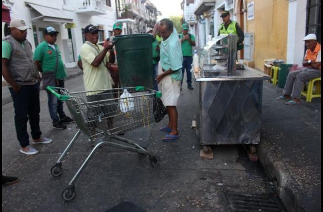 Venta de fritos en el Centro de Cartagena