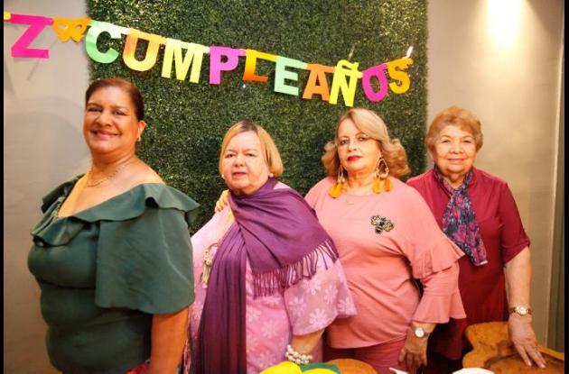 Flora Bru, Yasmina Coquel, Janet Coquel y Miriam Fadul.