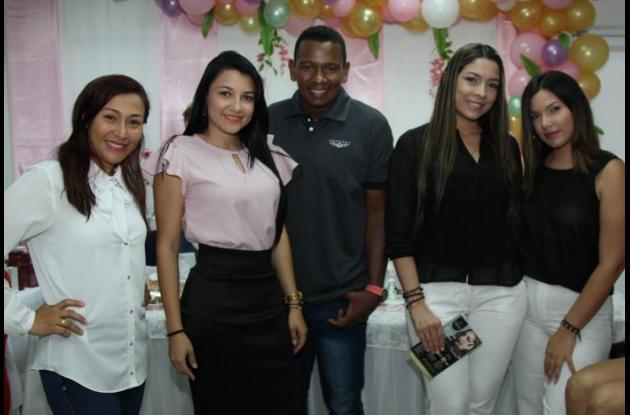 Heidy Arroyo, Gloria Merlano, José Gregorio Hernández, Tatiana Vives y Mayra Vives.