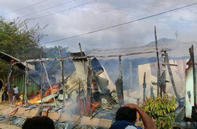Momento del incendio en Tiquisio