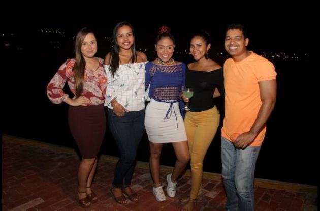 Jessica Rivera, Lía Miranda, Andrea Rodríguez, Angie Goez y Juan Carlos Martínez.