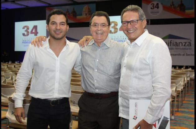 Jose Manuel Fernández Del Río, Adalberto Romero y José Manuel Fernández Pinedo.