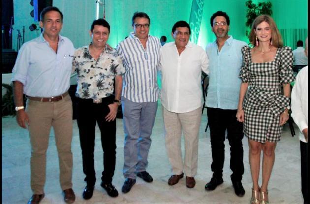 Juan Manuel Barraza, Iván Ovalle, Rodolfo Molina, Poncho Zuleta, Orlando Bustillo y Paola Dávila-Pestana.
