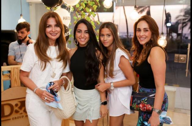 Katty Tinoco, Mariana Tinoco, María Alejandra Bustillo y Paola Vélez.