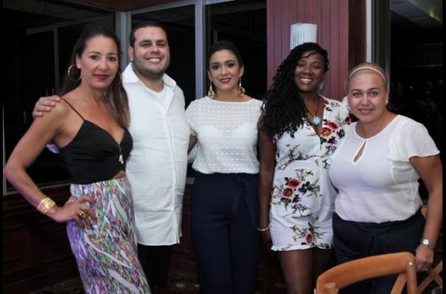 Maite Canela, Christian Ríos, Yuladis Pastrana, Michelle Williamson y Citlalli Peña.