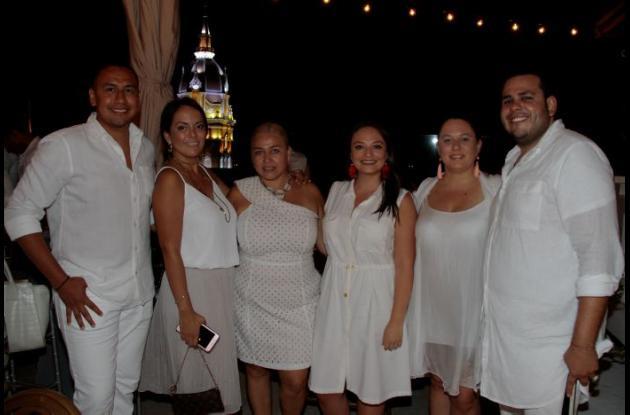 Mario Rivera, Johanna Otero, Citlalli Peña, Juanita Suzunaga, Vicky Sagasti y Dan Cristián Ríos.