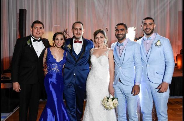 Mauricio Ganem, Iriam Ganem; los novios, Alí Ganem y Sofía Succar; José Succar y Roberto Succar.
