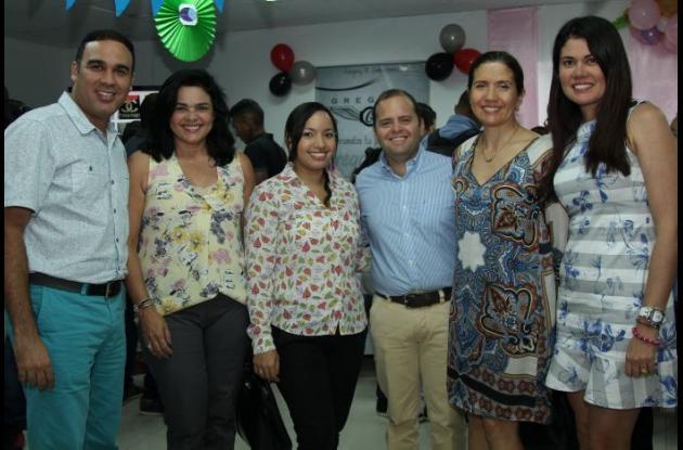 Miguel Ángel Arroyo, Gina Corena, Cindy Castro, Eduardo De Zubiría, Gloria Parra y Viviana Cruz.