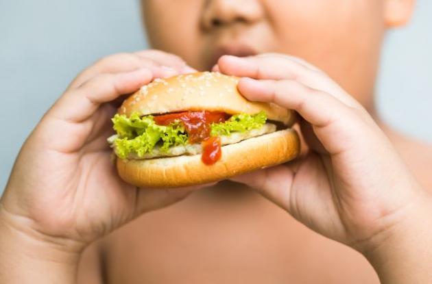 Las familias que ganan menos comen más comida rápida. Extraño ¿no?