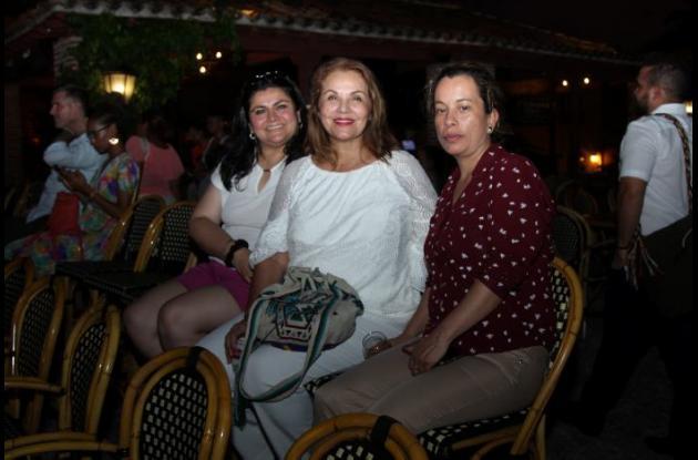 Olga Fajardo, Beatriz Hernández y Amanda Rodríguez.