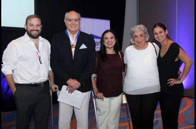 Pier Angelo Puccini, Humberto Rodríguez, Socorro Rodríguez, Socorro Covo y Mariana Puccini.