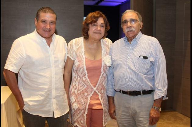 Pier Puccini, Nadina Crismatt e Iván Rodríguez.