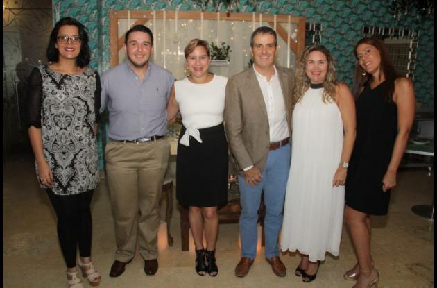 Raissa Díaz, Javier Gusart, Ruby Camacho ,Andrés Betancourt, Cecilia Calle y Rebecca Arango.