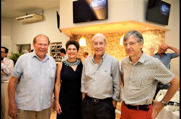 Reinaldo Martínez, Aida Baladi de Lequerica, Jorge Dávila-Pestana y Guillermo Marín.