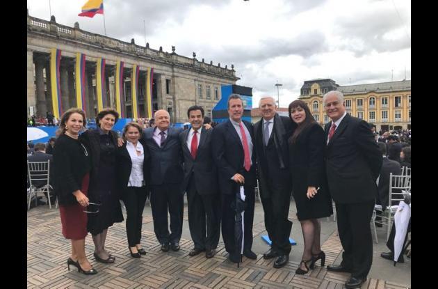 Sonia Villa, Diana Gedeón, Juliet Jiménez, Fernando Benedetti, Jairo Berrío, Gabriel Arango, Roberto Gedeón, Durys Angulo y José Víctor Carvajales.