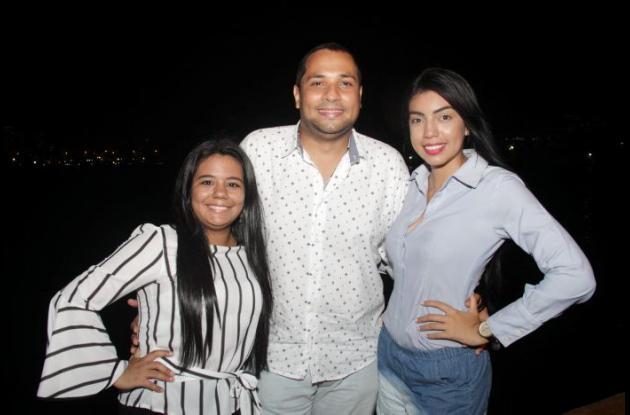 Wendy Tapia, Sebastián Bossa y Rosa Montoya.
