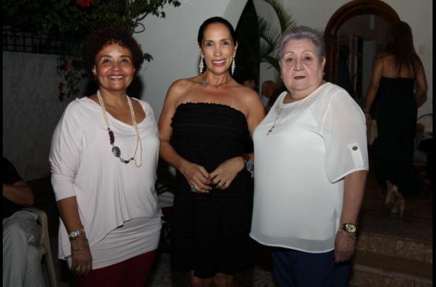 Amalia Jacquin, Elsa Cohen y Gloria de Cardozo.