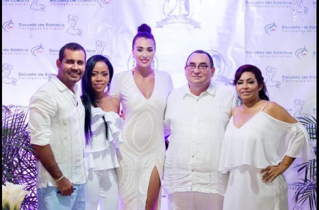 Carlos Vélez, Milena Álvarez, Cinthia Dottone, Francisco Camacho y Fanny Medrano.