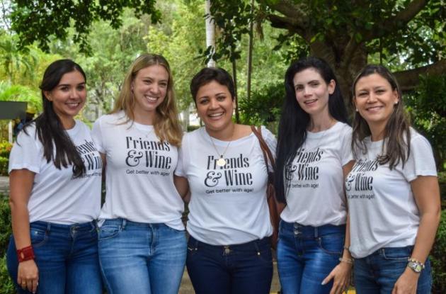 Carolina Castro, Adriana Cepeda, Diana Pantoja, Violeta Marenco y Claudia Mayorga.