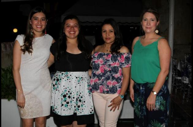 Carolina Herrera Vargas, Laura González, Johana Guzmán y Svetlana Noworyta.