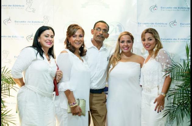 Carolina Villanueva, Jackelin Correa, Rafael Solano, Victoria Coronado de Camacho y Mónica Ropaín.