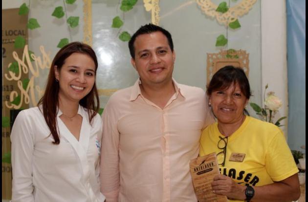 Diana Valderrama, Jhoan Mardrach y Nancy López.