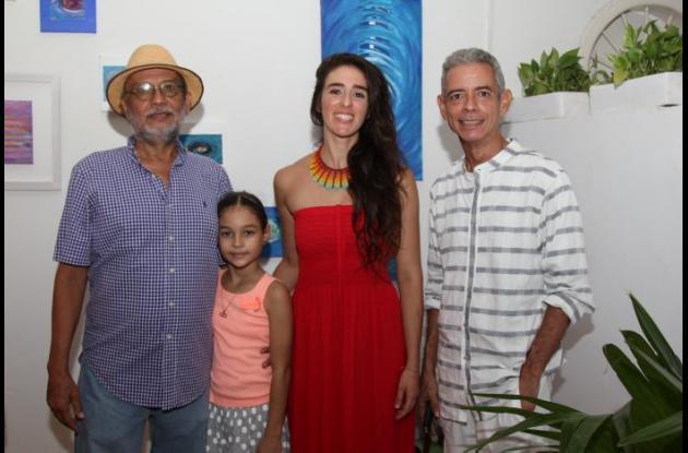 Eduardo García, Fiorella Pizarro, Ágatha Quintero y Carlos Cuello.