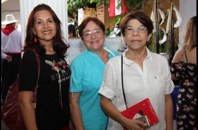Glenis Cabarcas, Ivonne Correa y Hortensia Barrios.