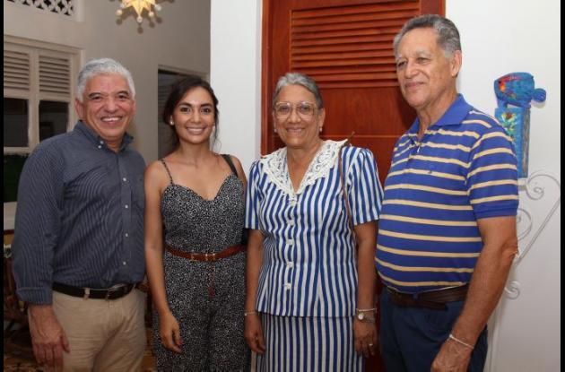 Guido Ulloa, Alejandra Carrasquilla, Rosa Díaz y Raúl Paniagua.