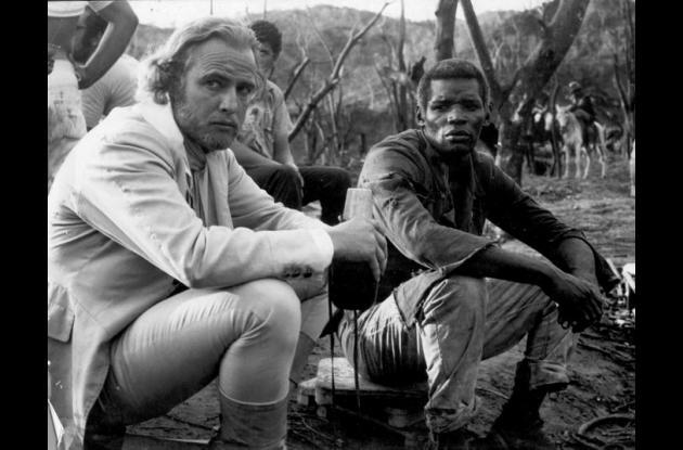 Evaristo Márquez junto al actor Marlon Brando.