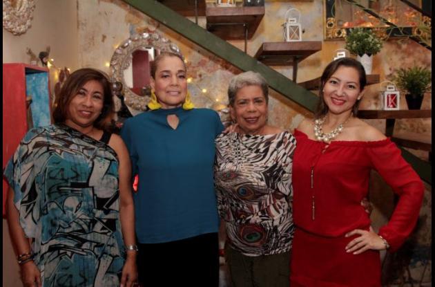 Libia Margarita Sierra, Carmen Elvira Mendoza, Yadira Caballero y Alma Sepúlveda.