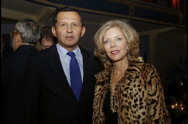 Mario Pacheco y Connie de Pacheco.