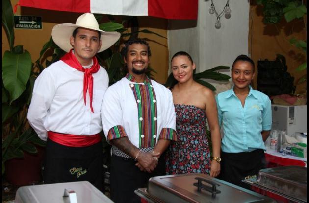 Modesto Talavera, Marcos Huaman, Johana Sánchez y Giannini Mercado.