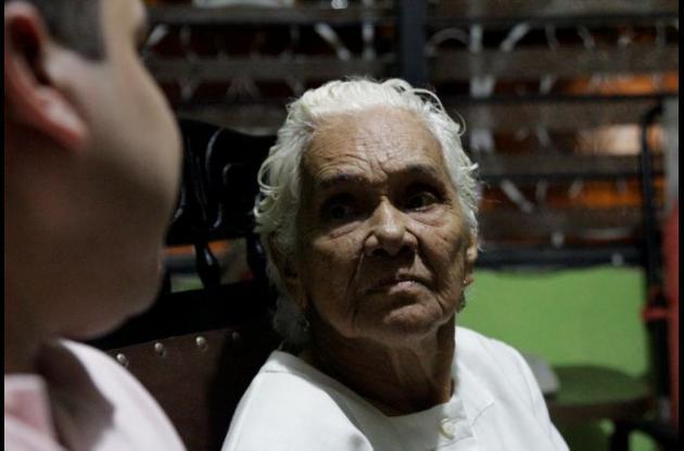 Olga Castillo de Barrios.