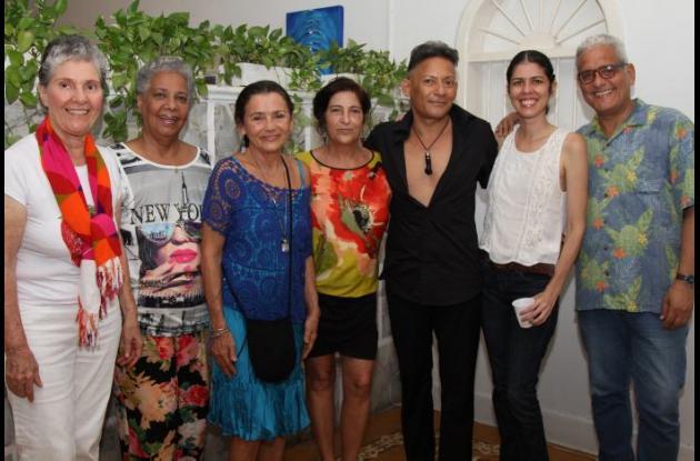 Margarita Abello, Carmensa Morales, Cecilia Herrera, Bibiana Vélez, Cheo Cruz, Martha Amorocho y Eduardo Polanco.