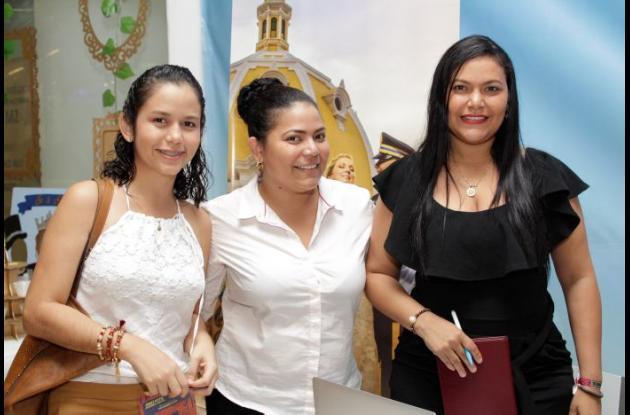 Yulie Estrada, Brenda Martínez y Gertrudiz Martínez.