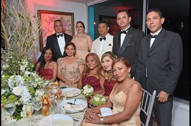 De pie: Juan Carlos De León, Ana Milena Peñaranda, Jairo Nieto, Amauri Castellón y Guillermo Morales; sentados: María Piñeres, Ana Luz Guerra, Madyd Martínez, Vanesa Ramos y Yuleis Puentes.