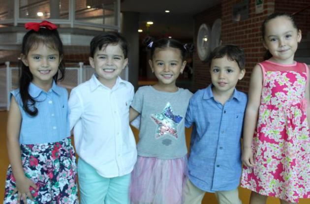 María Lucía Yáñez, Simón Giraldo, Violeta Parra, Alejandro Petro y Maía Olarte.