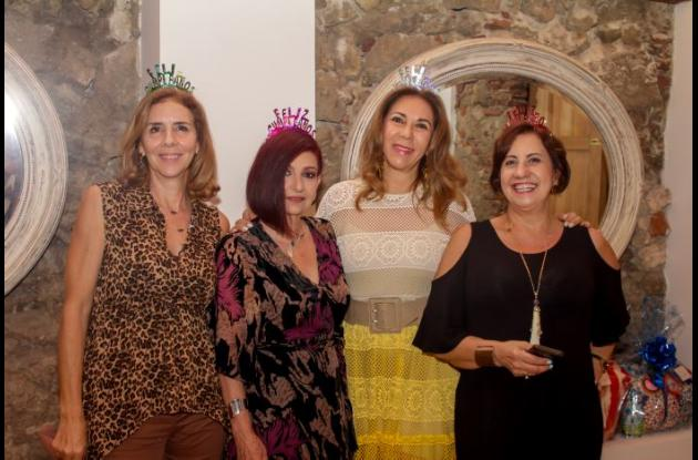 Marta Zúñiga, Ana María Horrillo, Martha Mejía y Yanet Moreno.
