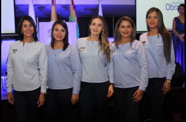 Milene de Sanjuan, Angie de Pérez, Marcela Sánchez, Zaira de Baquero y Ana de Fernández.