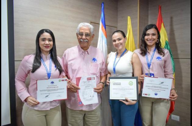 Olga Guerra, Dionisio Vélez White, Mara Mercedes Villalba y Gina Contreras.