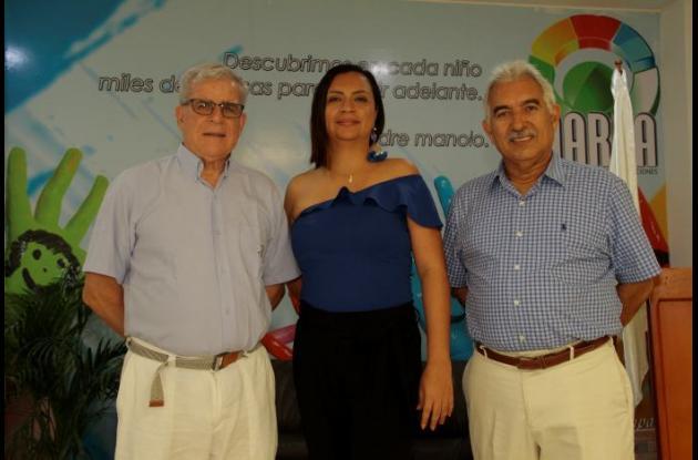 Padre Manuel Jiménez, Patricia Romero Logreira y Antonio Escalante.