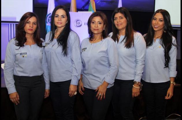Yaneth de Rodríguez, Concepción de Albor, Gloria de Poveda, Martha de Vargas y Sally de Álvarez.