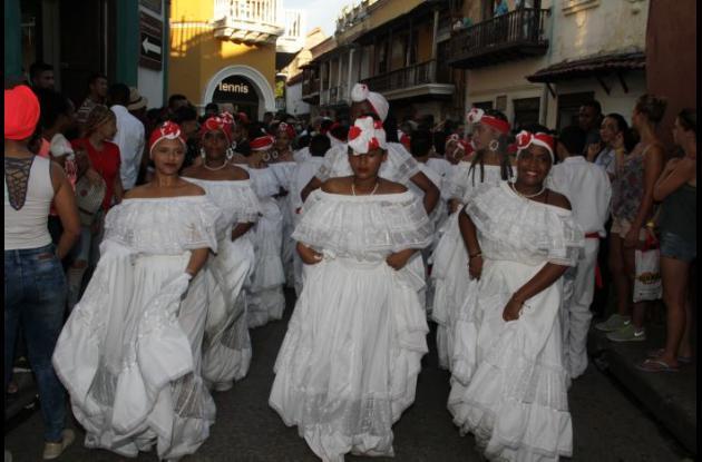 Danza cumbia Escuela Superior Normal de Cartagena