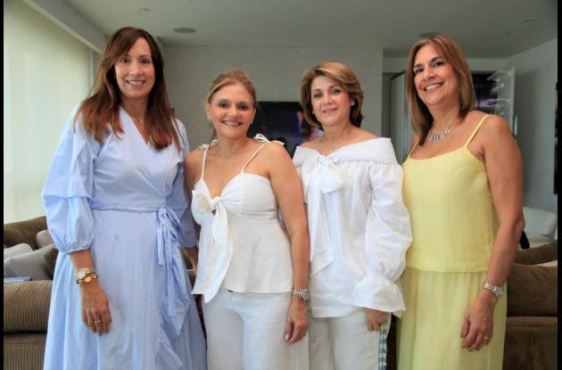 Beatriz Castillo de Ropaín, Violett Saad de Castillo, Nancy de Castillo y Lilo Castillo.
