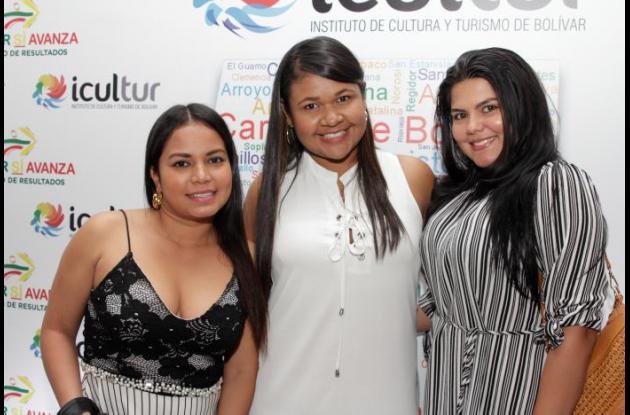 Elizabeth Novoa, Carmen Flórez y Daniela Castañeda.