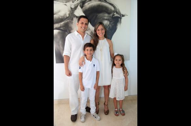 Ernesto Rubio, Juliana Berrío, Samuel y Catalina Rubio Berrío.