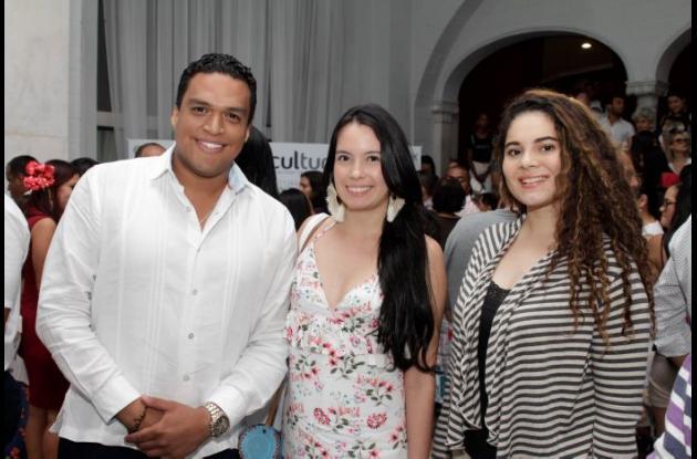 Fabián Cardoso, Andrea Castellón y Aida Polo.