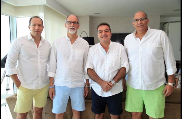 Julio Castillo, Carlos Castillo, Álvaro Ropaín y Jorge Castillo.