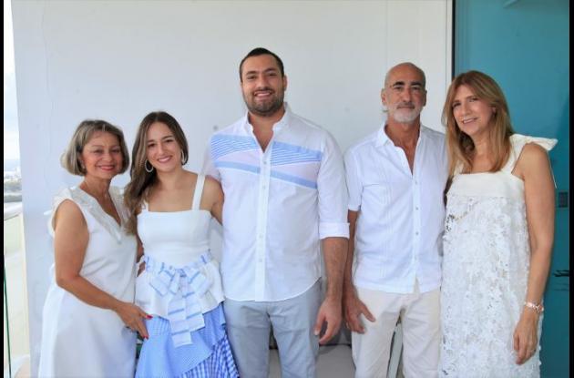 Katia Berrío, Carolina Berrío, Christian Bajaire, Javier Bajaire e Icha Castillo de Bajaire.